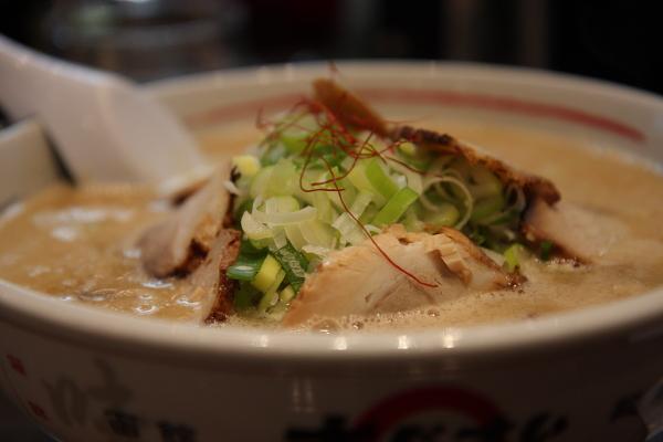味增拉麵(很好吃,但是女王說很鹹)